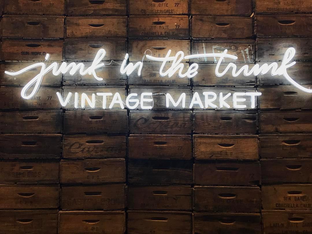 custom neon sign for market